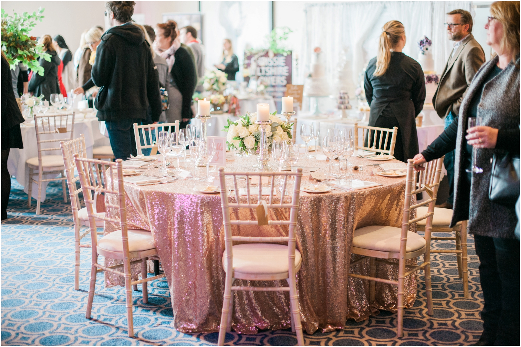 gold glitter theme wedding tables