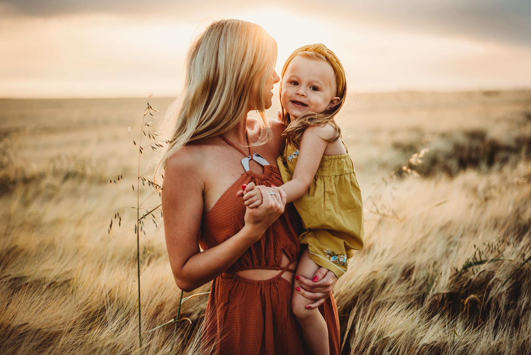 motherhood session during sunset